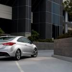 Hyundai_elantra_coupe_2013_ext2