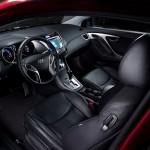 Hyundai_elantra_coupe_2013_int2