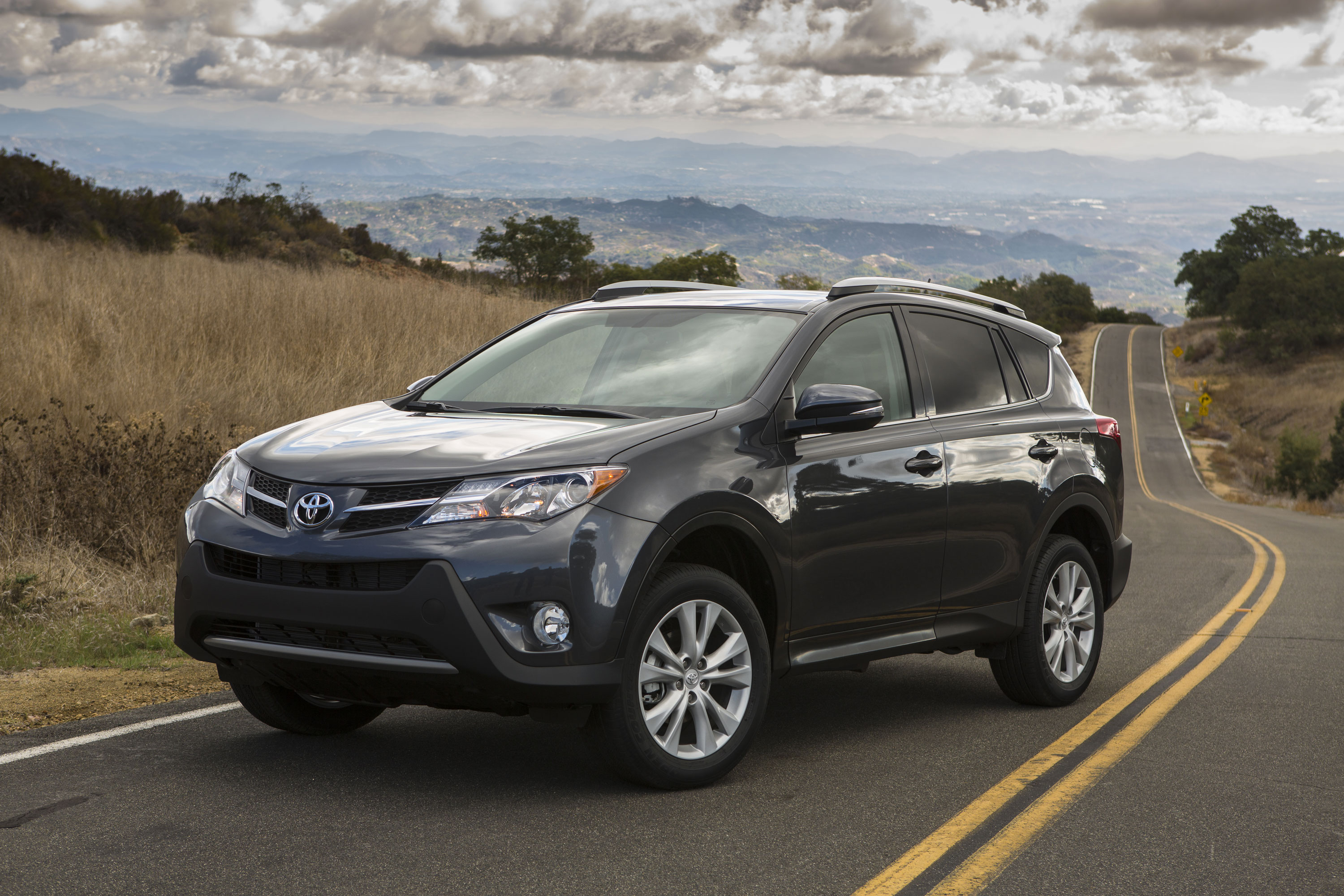 2015 toyota rav4 test drive spec rating price driver dose. Black Bedroom Furniture Sets. Home Design Ideas