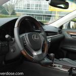 2015_Lexus_ES350H-10