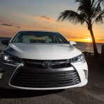 2015_Toyota_Camry_XLE_002