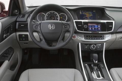 2015_Honda_Accord_EX_L_V_6_Sedan_074