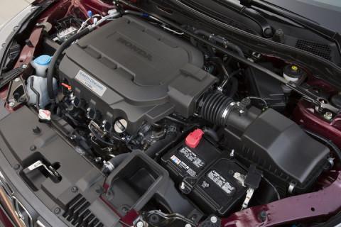 2015_Honda_Accord_EX_L_V_6_Sedan_087