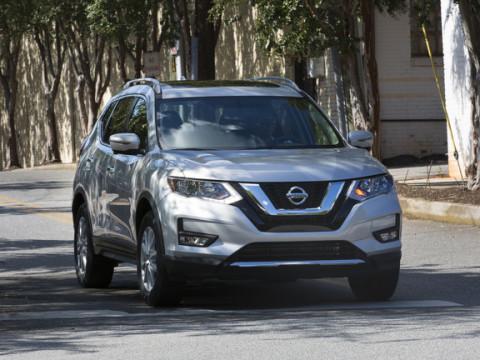 2017.5_Nissan_Rogue_25